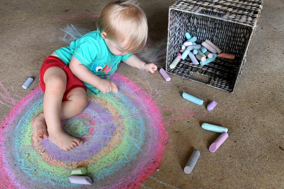子供って天才なの?絵を描くことで育つ子供の才能とは?