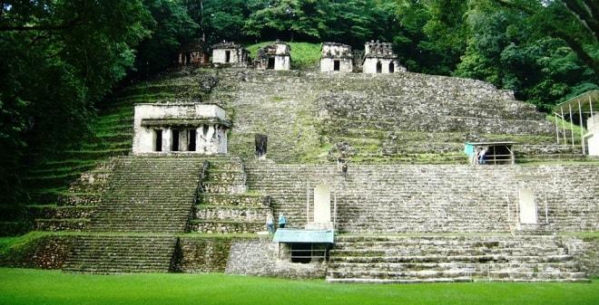 メキシコの観光でボナンパック遺跡とは?行き方やホテルの情報は?